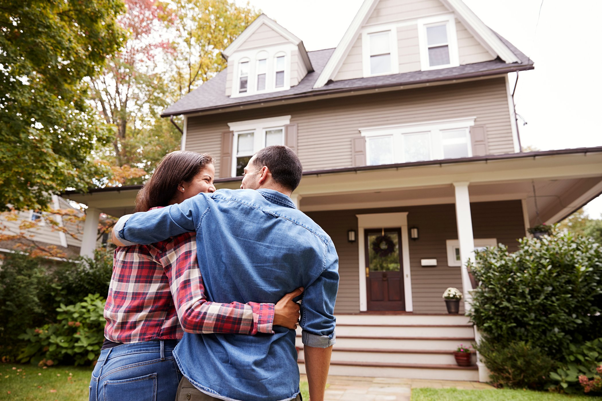 Are We in a Housing Market Bubble? 10 Signs to Watch [2021]